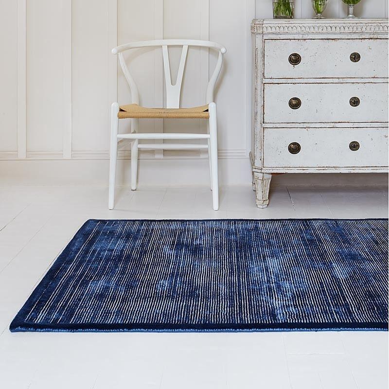 Jacaranda rug in blue